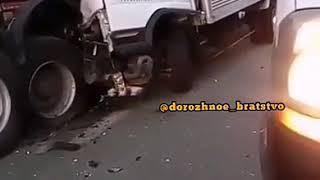 Молодой водитель микрогрузовика погиб в ДТП на трассе в Приморье