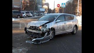 Невнимательная автолюбительница устроила ДТП в центре Хабаровска. MestoproTV