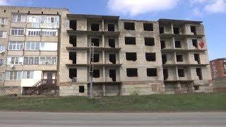 «Горячая линия». Недостроенная часть многоквартирного дома в Крымске угрожает безопасности граждан