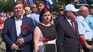Пензенцы возложили цветы к Монументу воинской и трудовой славы