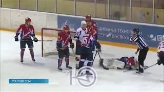 Хоккеистов «Кристалла» разгромили в первом матче плей-офф