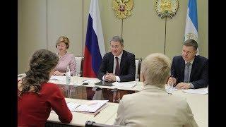 Радий Хабиров и Анна Кузнецова обсудили вопросы защиты материнства и детства