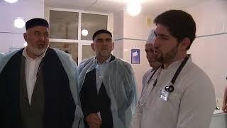 Глава Ингушетии навестил в больнице мать Героя России