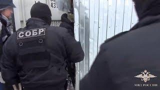 Сотрудники МВД России совместно с ФСБ России изъяли из более 37 тысяч литров поддельного алкоголя