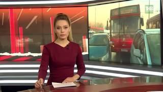 Пассажирский автобус 45 маршрута протаранил 2 стоящие на светофоре иномарки - ТНВ