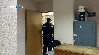Подозреваемого в убийстве Майи Капустиной выводят из здания суда