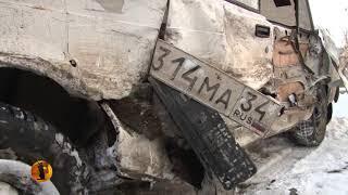 В результате ДТП в Волгограде госномера маршрутки «приклеились» к «Жигулям»