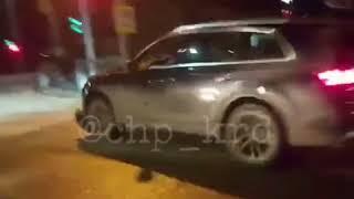 Audi Q7, первая авария - наезд на человека!