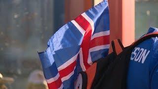 Волгоград: Болельщики Исландии не боятся мошки и уверены в победе своей команды