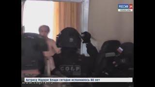 В одном из чебоксарских общежитий  вооруженный ножами мужчина угрожал расправой семье с маленьким ре