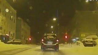 В Мурманске водитель пытался скрыться от патрульной машины ОБ ДПС