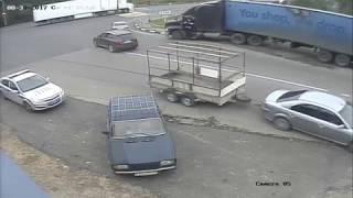 Пьяный дальнобойщик пытался подраться с полицейскими