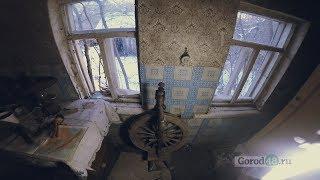 «Застывшее время»: русская печь и столетняя прялка в вымершем старинном селе