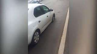 В Красноярске провалился автомобиль