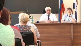 С жителями Дубенского района встретился депутат Государственной думы от Мордовии Александр Воробьев.