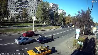 ДТП на вул.Березняківській (15:13:56 12.10.2018)