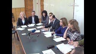 35 тольяттинских депутатов получили рабочие удостоверения