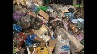 Управляющая компания в Куйбышевском районе наконец начала убирать накопившийся мусор