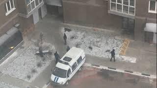 Во дворе дома в Ярославле обнаружено тело девушки