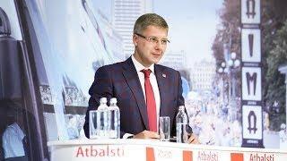 «Они не хотят учить язык из принципа». Как новый парламент Латвии будет решать проблему неграждан