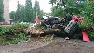 Donday. В Новочеркасске водитель фуры заснул за рулем и перевернулся