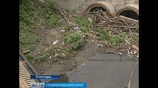 Из-за мусора в канале Ессентукам грозит подтопление