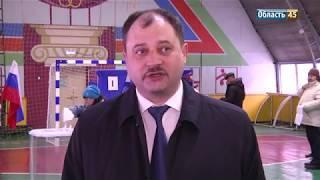 На участке, где голосовали Фролов и Руденко, включили гимн Советского союза