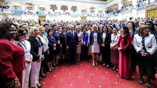 Экономика, равноправие, Путин: о чем говорят на Евразийском женском форуме в Петербурге