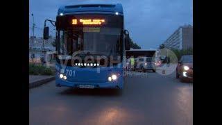 Стажер за рулем городского автобуса попал в ДТП в Хабаровске. Mestoprotv