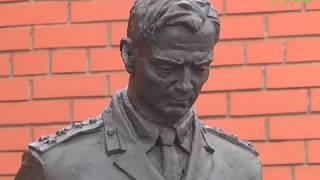 Установлены скульптура и памятная доска в честь милиционеров, сражавшихся за Родину
