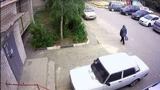 Камеры наблюдения зафиксировали похитителя аккумуляторов