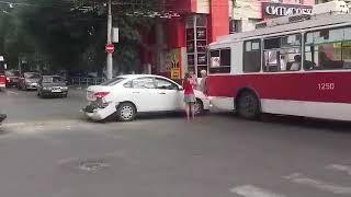 ДТП на Чапаева с участием троллейбуса