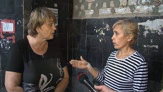Жильцы дома в Волгограде снова тонут от дождя, а управляющая компания путается в показаниях