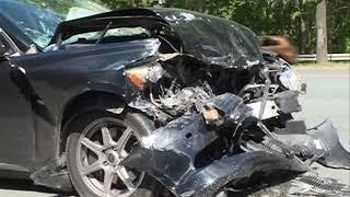 Mercedes и Lexus столкнулись в серьезном ДТП на Столетии