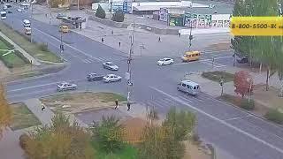 ДТП (авария г. Волжский) ул. Мира ул. Оломоуцкая 21-10-2018 08-59