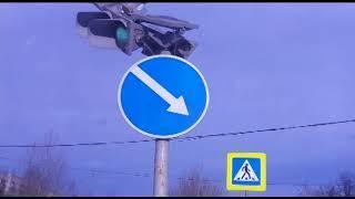 Сломанный светофор регулировал движение в Ярославле