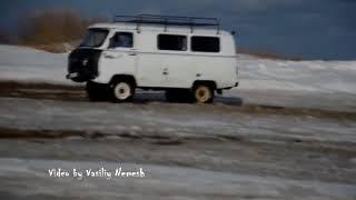 В Печоре водители ездят по закрытой переправе