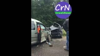 https://crashnews.org | На трассе Окуловка-Крестцы столкнулись Фольксваген и Хэндай