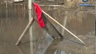 В Пензе в микрорайоне Заря из-за талой воды образовалась канава