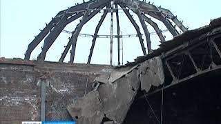 В Красноярске начали сносить один из самых старых долгостроев