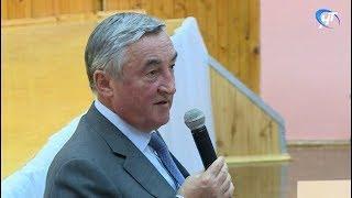 На встрече с жителями Новгорода Юрий Бобрышев поделился мнением о взаимодействии с предприятиями