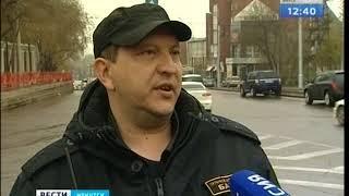 Су-шеф одного из рестранов Иркутска врезался в здание ТЦ
