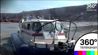 В Озёрах на время паводка людей перевозят катерами на воздушной подушке