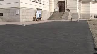 Вернут историческую брусчатку: в Новочеркасске на площади Ермака начинают снимать асфальт