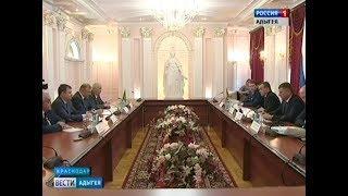 В Краснодаре прошла встреча главы РА Мурата Кумпилова и губернатора КК Вениамина Кондратьева