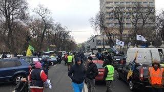 Как украинские автомобилисты вступили в конфликт с властью из-за новых таможенных сборов