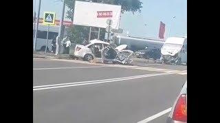 Водитель легковушки погиб после столкновения с маршруткой на Ставрополье