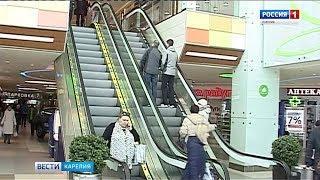"""Съемочная группа ГТРК """"Карелия"""" проверила торговый центр на пожарную безопасность"""