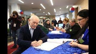 Рустэм Хамитов проголосовал на выборах президента России