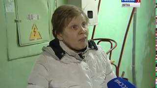 В Нововятске люди вынуждены бороться с потопом в подъезде(ГТРК Вятка)